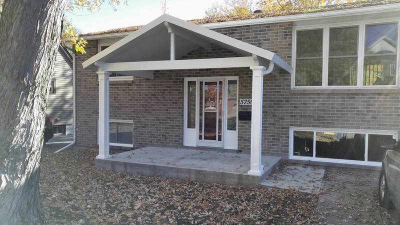 aluminum  front  porch