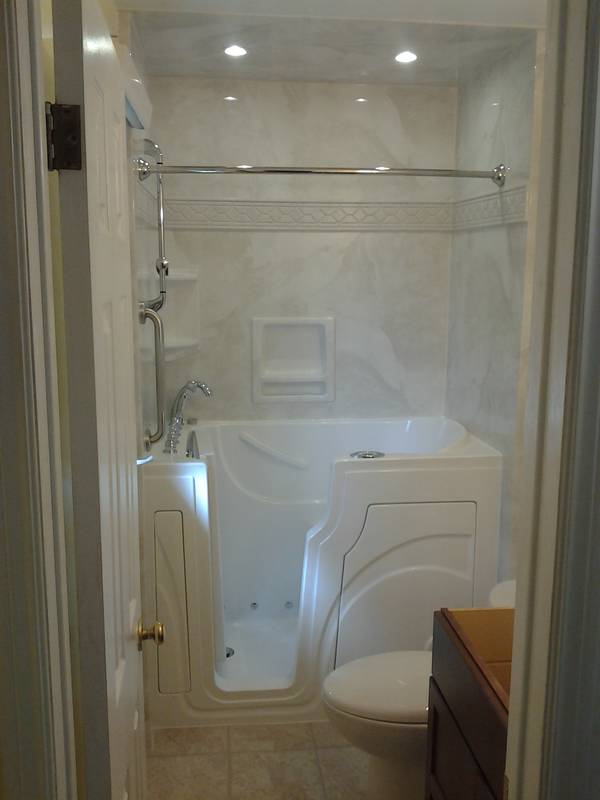 Walk In Tub- Silver White Marble Surround