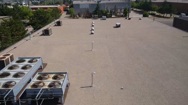 19,700 sq.ft. flat roof replacement using Polyglass technology in Mississauga, ON