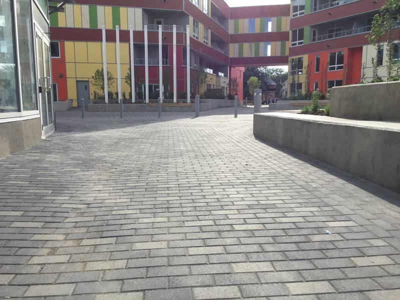 Beautfiul courtyard!